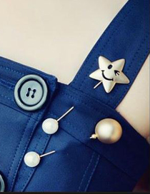 Fashion Gold Color Star Shape Decorated Hollow Out Design Simple Brooch