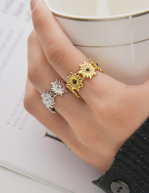 Fashion Steel Color Stainless Steel Small Flower Open Ring With Diamonds