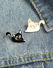 Fashion White Yin Yang Cat Alloy Oil Drop Brooch