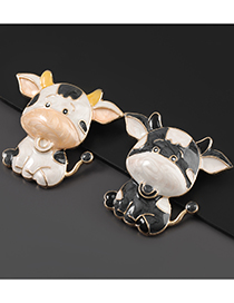 Fashion White Cow Alloy Drip Oil Cow Brooch