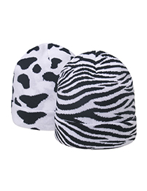 Fashion Horse Pattern Cow Pattern Knitted Hat With Cuffs