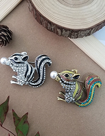 Black And White Pearl Squirrel Alloy Oil Drop Brooch With Diamonds