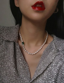 Fashion Green Necklace Diamond Pearl Zircon And Medallion Letter Necklace