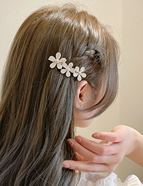 Fashion Gold Color Pearl And Diamond Flower Hairpin