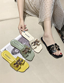 Fashion Creamy-white Chain Flat Slippers
