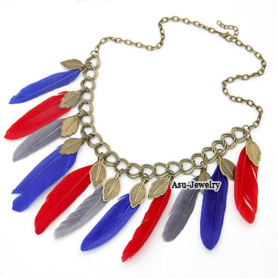 Fashion Blue Triangle Shape Decorated Necklace