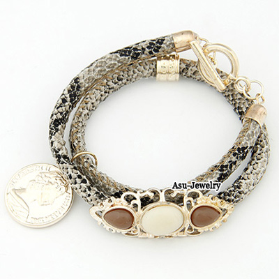 Fashion Black Heart Shape Decorated Bracelet