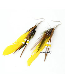 Korean personality fashion feather decorated with bead charm design earrings