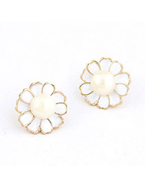 Glossy White Flower Decorated With Imitate Pearl Pearl Stud Earrings