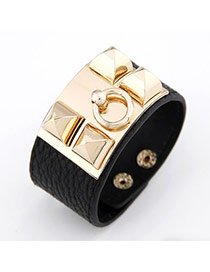 Luxurious Black Square Rivet PU Korean Fashion Bracelet