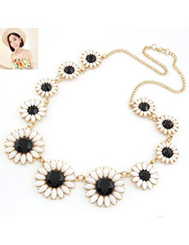Monogram Black Elegant Chrysanthemum Pendant Alloy Korean Necklaces