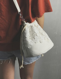 Fashion White Flower Decorated Bucket Bag