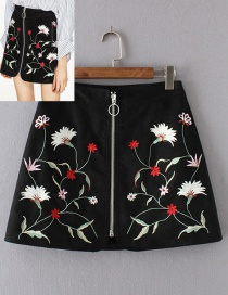Fashion Black Embroidery Flower Decorated Skirt