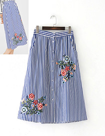 Fashion Blue Embroidery Flower Decorated Dress