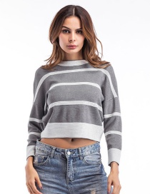 Fashion Gray Color-matching Decorated Round Mackline Sweater