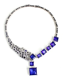 Fashion Blue Diamond Decorated Necklace