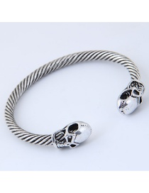 Fashion Silver Color Skull Shape Decorated Opening Bracelet