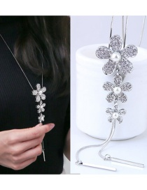 Fashion White Flowers Pendant Decorated Necklace