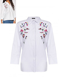 Fashion White Embroidery Flower Decorated Long Sleeves Blouse