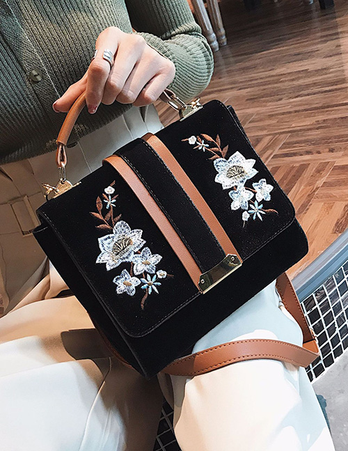 Trendy Black Flower Pattern Decorated Shoulder Bag