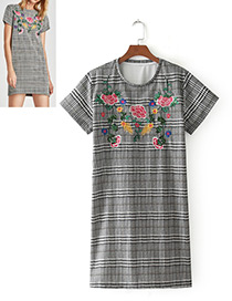 Fashion Gray Embroidery Flower Decorated Short Sleeves Dress