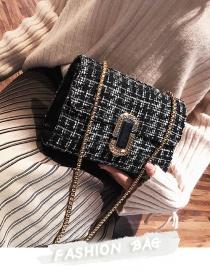 Vintage White+black G Shapebuckle Decorated Bag