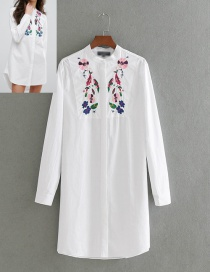 Lovely White Embroidery Flower Shape Decorated Shirt
