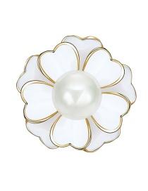 Elegant White Flower Shape Decorated Brooch
