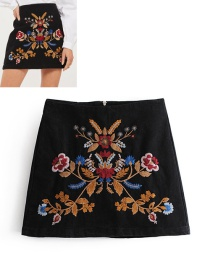 Fashion Black Embroidered Flower Decorated Skirt