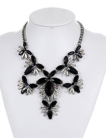Fashion Black+white Hollow Out Decorated Necklace