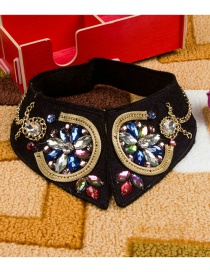 Exaggerated Black Flower Shape Decorated Fake Collar