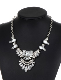Elegant Silver Color Geometric Shape Diamond Decorated Necklace