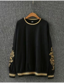 Fashion Black Embroidery Flowers Decorated Sweater