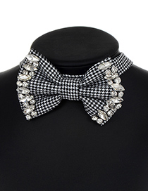 Elegant White+black Oval Shape Decorated Choker