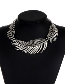 Fashion Silver Color Pure Color Design Leaf Shape Choker