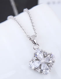 Fashion Silver Color Flower Pendant Decorated Necklace