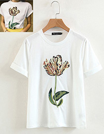 Fashion White Embroidery Flower Decorated T-shirt