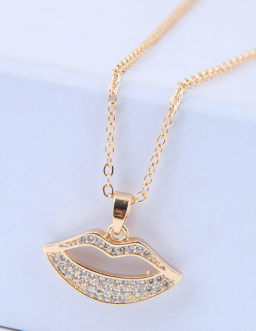 Elegant Gold Color Lip Pendant Decorated Long Necklace