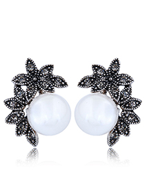 Fashion Black+white Pearl Decorated Earrings