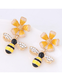 Fashion Yellow Flower Bee Stud Earrings