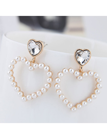 Fashion White Metal Heart Pearl Earrings