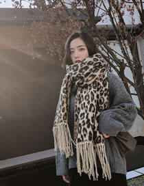 Fashion Kahki Leopard Pattern Decorated Scarf
