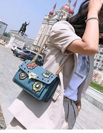 Fashion Blue Rivet Decorated Shoulder Bag