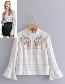 Fashion White Embroidered Flowers Decorated Blouse