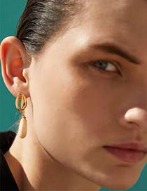 Fashion Gold Alloy Resin Shell Earrings