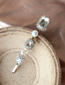 Fashion White Pearl Crystal Studded Hair Clips