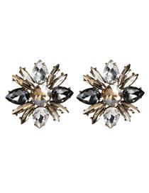 Fashion Gold Floral Diamond Earrings