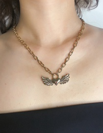 Fashion Gold Single-layer Metal Heart-shaped Wing Hollow Lock Necklace