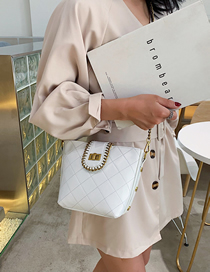 Fashion White Lingge Lock Chain Chain Shoulder Bag