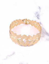Fashion Gold Carved Leaves Flower Bracelet